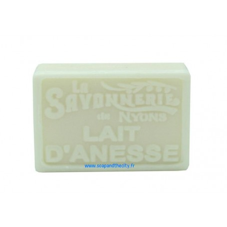 Savon BIO au Lait d'ânesse van La Savonnerie de Nyons in Parijs bij Soap and the City, zepen, parfums, wierook, kaarzen en kn...