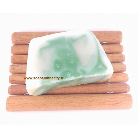 Tranche savon à froid surgras, Eucalyptus-Limette de Savonissime a Paris