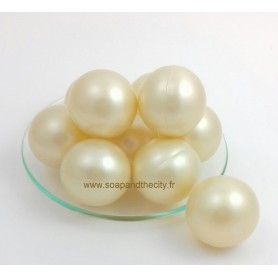 Pearls and bath bombs Bathpearl, Coco fragrance made by Bomb Cosmetics