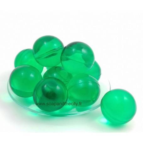 Perle de bain verte, parfum Chèvrefeuille from La Boutique in Paris