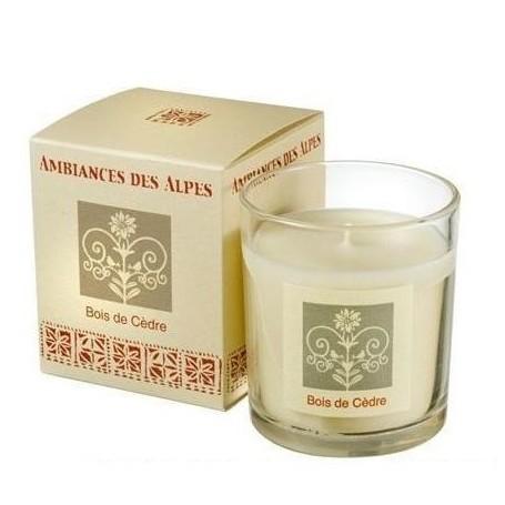Bois de cèdre, Bougie parfumée 40h Ambiance des Alpes à Paris chez Soap and the City, savons, bougies, parfums, encens et pel...