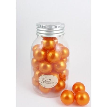 Perles de bain en flacon de 30, Monoi Savons et Bougies à Paris chez Soap and the City, savons, bougies, parfums, encens et p...