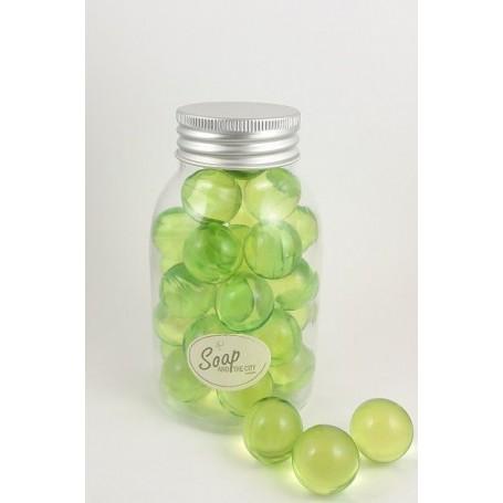 Perles de bain en flacon de 30, Pomme Savons et Bougies à Paris chez Soap and the City, savons, bougies, parfums, encens et p...
