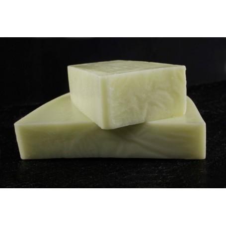 Handgesneden zepen Avocado oil, cut soap made by Autour du Bain