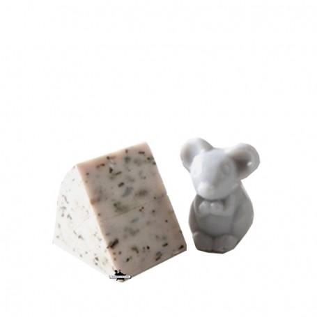 Savon fromage, Roquefort avec souris grise La Boutique à Paris chez Soap and the City, savons, bougies, parfums, encens et pe...