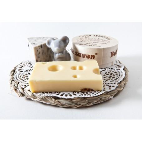 Savon fromage, plateau 3 fromages et 1 souris La Boutique a Paris