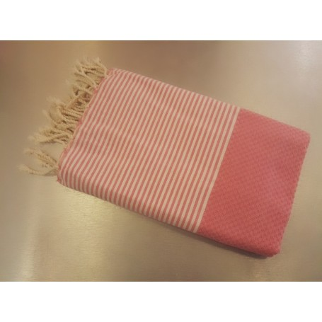 Fouta 100 x 200 cm - rose La Boutique à Paris chez Soap and the City, savons, bougies, parfums, encens et peluches