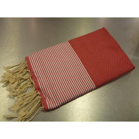 Fouta 100 x 200 cm - Rouge La Boutique à Paris chez Soap and the City, savons, bougies, parfums, encens et peluches