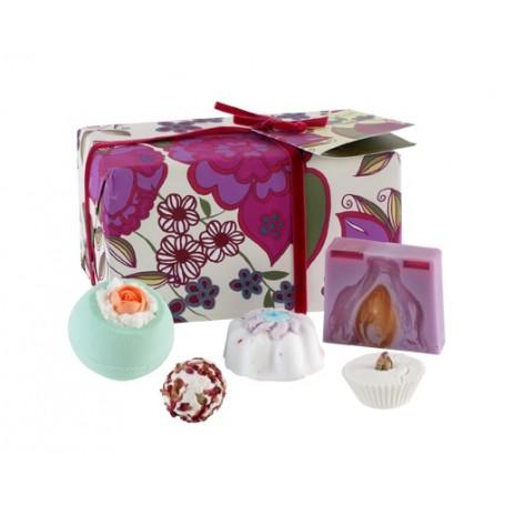 Coffret cadeau My Jolie Rose La Boutique à Paris chez Soap and the City, savons, bougies, parfums, encens et peluches
