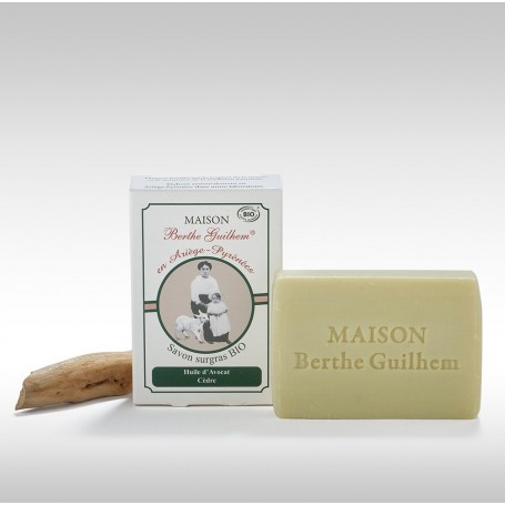 Savon surgras BIO, Avocat Cèdre, 100gr, au lait de chèvre Berthe Guilhem à Paris chez Soap and the City, savons, bougies, par...