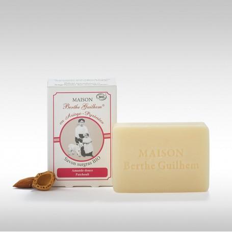 Savon surgras BIO, Amande douce et Patchouli, 100gr, au lait de chèvre Berthe Guilhem à Paris chez Soap and the City, savons,...
